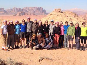 Wandelen in de Wadi Rum, Jordanië
