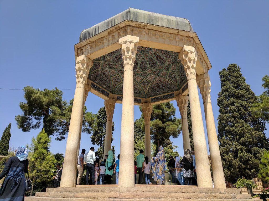 De graftombe van de Iraanse dichter Hafez