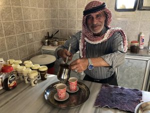 Jordanië Local Maakt Koffie