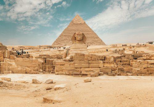 Sfinx En Piramide